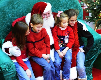 is your child afraid of santa claus - Santa Claus With Kids